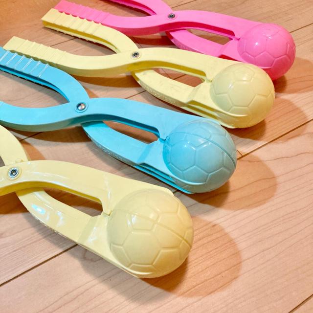 スノーボールメーカー アヒル製造機 サッカー ボール 雪遊び 砂遊び 2本セット キッズ/ベビー/マタニティのおもちゃ(知育玩具)の商品写真
