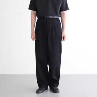 COMOLI - graphpaper  heard twill pants  black