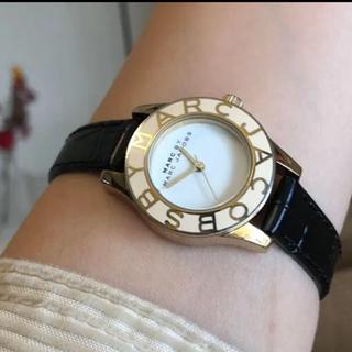 マークバイマークジェイコブス(MARC BY MARC JACOBS)のMARC BY MARC JACOBS腕時計 稼働中 新品ベルト(腕時計)