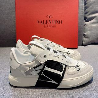 VALENTINO - 新品超人気爆発 Valentinoスニーカー