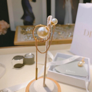 Dior - クリスチャンディオール  dior  ピアス ロング パール