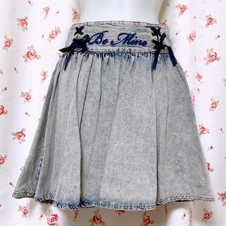 アンクルージュ(Ank Rouge)のAnk Rouge フリルハイウエスト刺繍スカート ブリーチ デニム(ミニスカート)