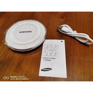 無接点充電器 ホワイト(バッテリー/充電器)