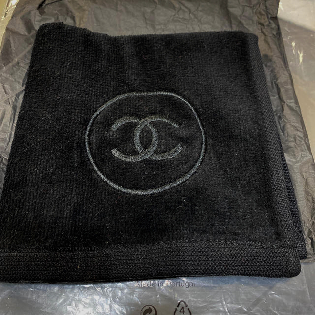 CHANEL(シャネル)のシャネル タオル ノベルティ サブリマージュ タオル ブラック レディースのファッション小物(ハンカチ)の商品写真