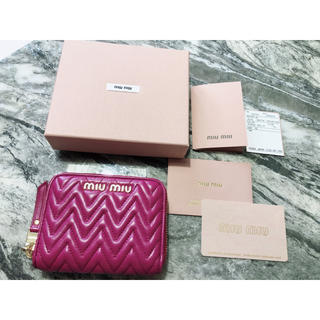 miumiu - 超美品   miumiu コインケース 財布 ミニ財布 ミニウォレット