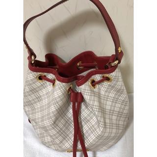 BURBERRY BLUE LABEL - バーバリーブルーレーベル 赤 巾着 可愛い バッグ