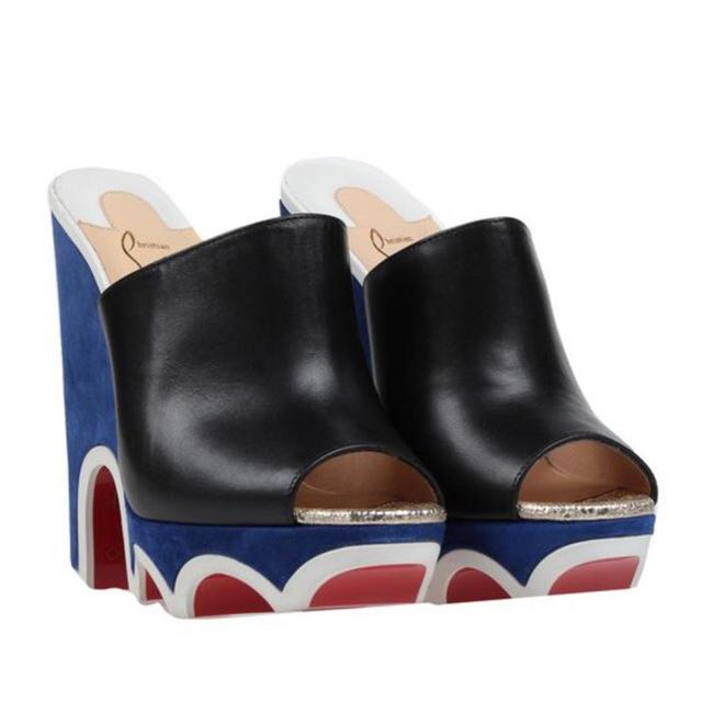 Christian Louboutin(クリスチャンルブタン)の定価11万!新品☆Christian Louboutin サンダル レディースの靴/シューズ(サンダル)の商品写真