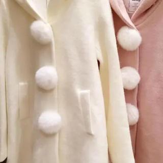 アンクルージュ(Ank Rouge)のアンクルージュ 白 コート(毛皮/ファーコート)