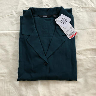 UNIQLO - 【新品未使用】UNIQLO レーヨンエアリーオープンカラーシャツ