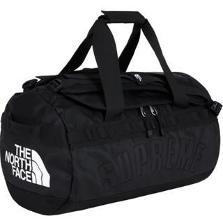 シュプリーム(Supreme)のTNF Arc Logo Small Base Camp Duffle Bag(ドラムバッグ)