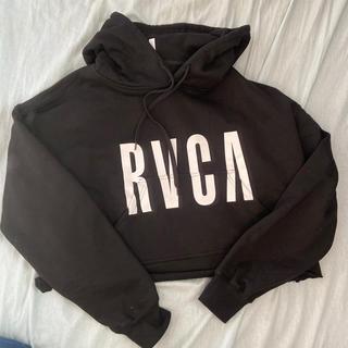 RVCA - RVCA ショート丈パーカー