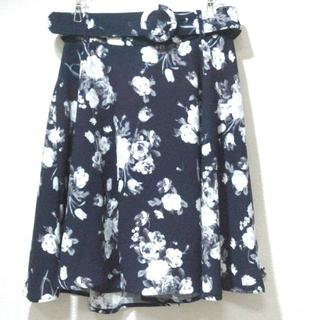 INGNI - イング 共布ベルト付き 花柄 フレア スカート     オフィス