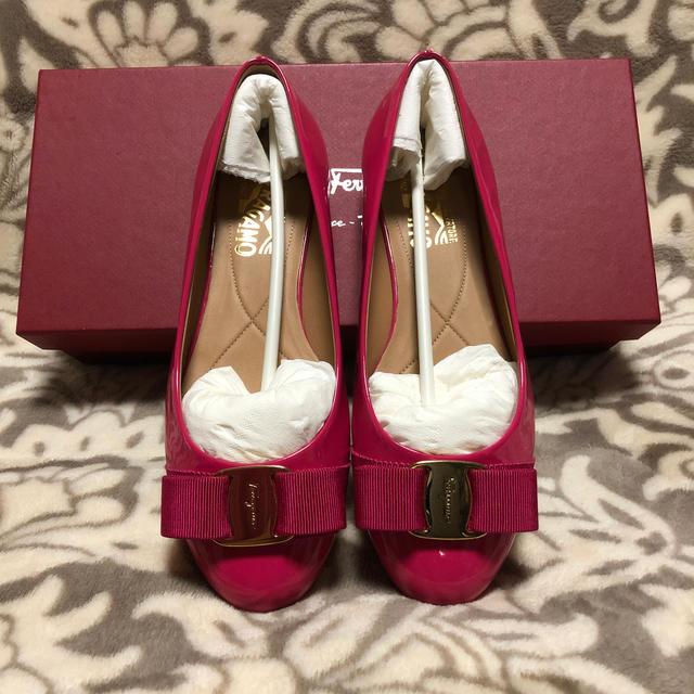 Salvatore Ferragamo(サルヴァトーレフェラガモ)のフェラガモ  バレエシューズ 5 1/2 レディースの靴/シューズ(バレエシューズ)の商品写真