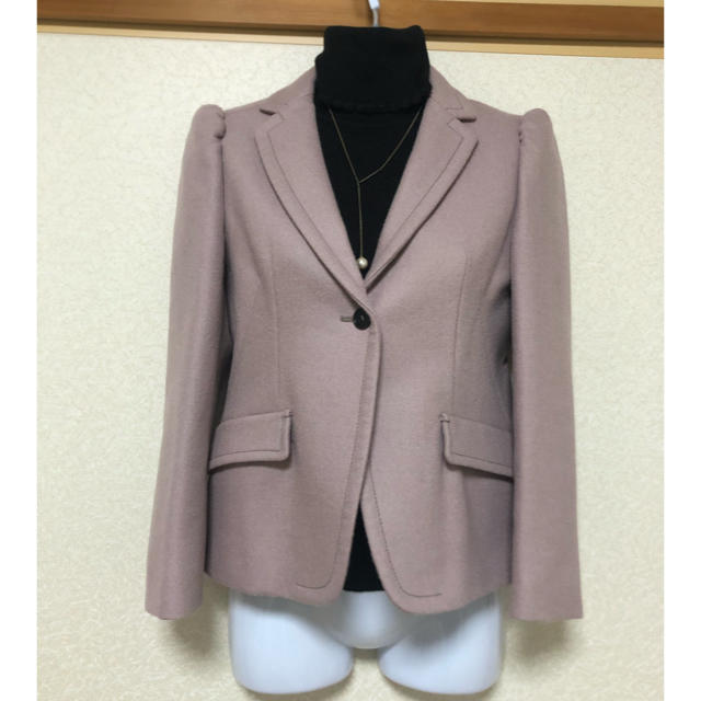 miumiu(ミュウミュウ)のmiumiu❤︎ピンクベージュのジャケット お宮参り 七五三 結婚式などに❤︎ レディースのジャケット/アウター(テーラードジャケット)の商品写真