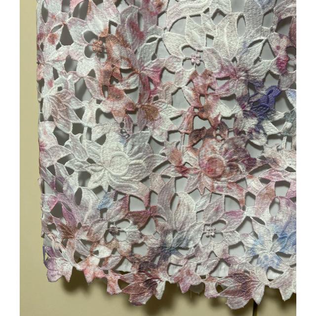 JUSGLITTY(ジャスグリッティー)のジャスグリッティー レースプリントタイトスカート 花柄 レース ピンク Mサイズ レディースのスカート(ひざ丈スカート)の商品写真