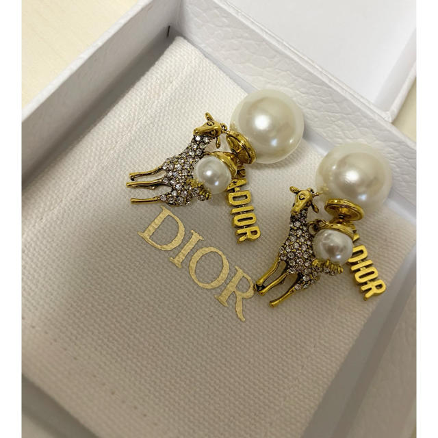 Dior(ディオール)のDiorピアス❤️ レディースのアクセサリー(ピアス)の商品写真