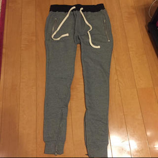 フィアオブゴッド(FEAR OF GOD)のmnml lax sweat pants fog essentials(スラックス)