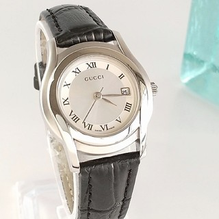 Gucci - 綺麗 グッチ 白 新品仕上 デイト 新品ベルト レディース腕時計ウォッチ 極美品