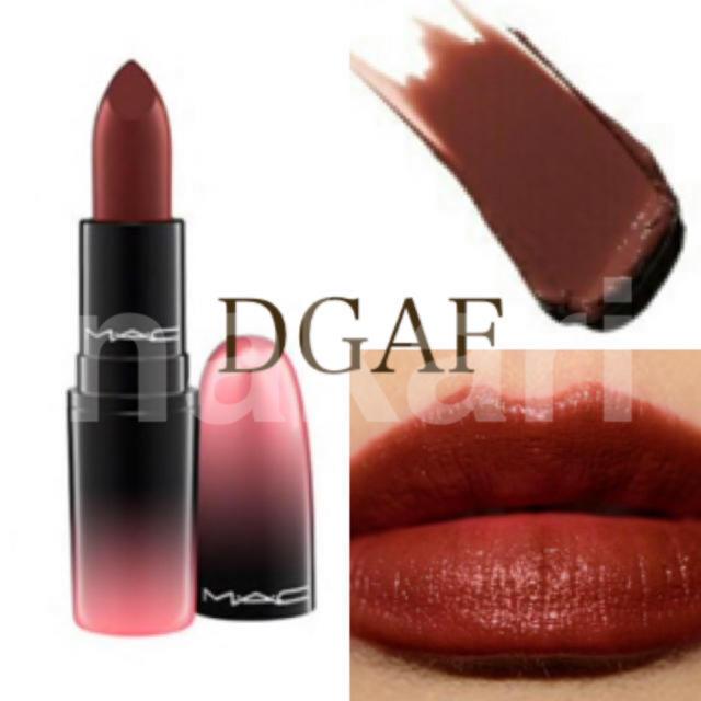 MAC(マック)の新品 未使用 MAC リップスティック DGAF  コスメ/美容のベースメイク/化粧品(口紅)の商品写真