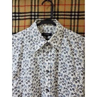 バーバリーブラックレーベル(BURBERRY BLACK LABEL)の【花柄·総柄】おしゃれドレスシャツ(シャツ)