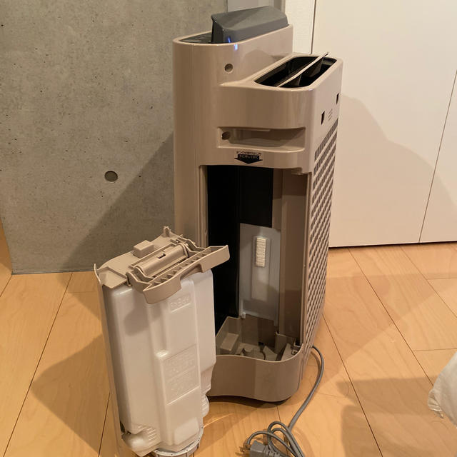 SHARP(シャープ)のSHARP プラズマクラスター 加湿空気清浄機KC-500Y8-C  スマホ/家電/カメラの生活家電(空気清浄器)の商品写真