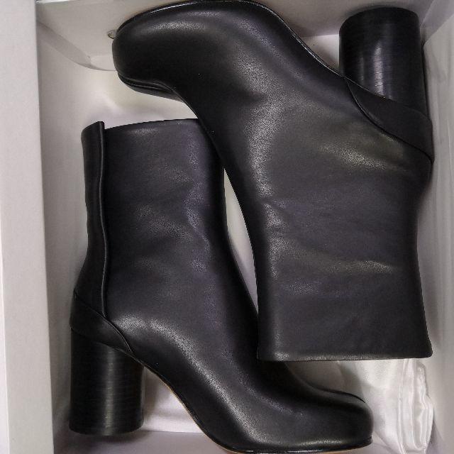 Maison Martin Margiela(マルタンマルジェラ)のメゾン マルタン マルジェラ ブーツ ブラック 足袋 39 レディースの靴/シューズ(ブーツ)の商品写真