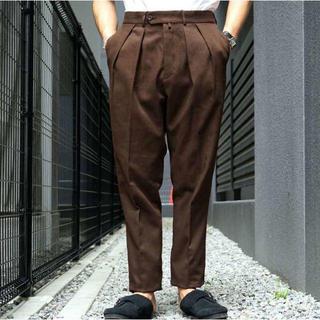 コモリ(COMOLI)のNEAT コットンカルゼ 46 テーパード ブラウン(スラックス)