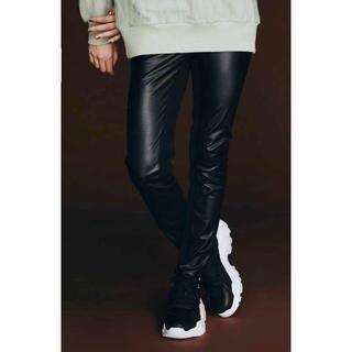 ダブルスタンダードクロージング(DOUBLE STANDARD CLOTHING)のダブスタ❣️新品割引❣️フェイクレザーパンツ(その他)