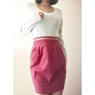 ファビュラスアンジェラ(Fabulous Angela)の☆ホワイト アーガイルニット& Fabulous Angela レッドスカート☆(ひざ丈スカート)