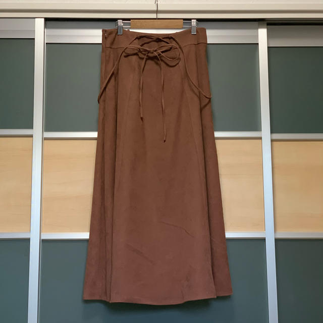 mysty woman(ミスティウーマン)のmysty woman サス付きバックレースアップスカート レディースのスカート(ロングスカート)の商品写真