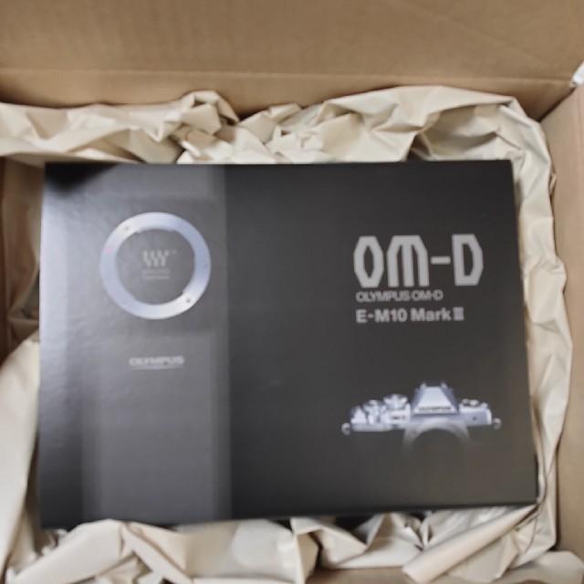 OLYMPUS(オリンパス)の【新品未開封】OMD EM10 III EZ WZキット スマホ/家電/カメラのカメラ(ミラーレス一眼)の商品写真