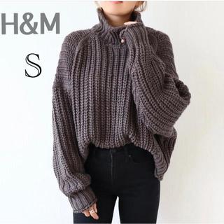 H&M - 新品❤️H&M リブニットハイネックセーター チャンキーニット グレー S
