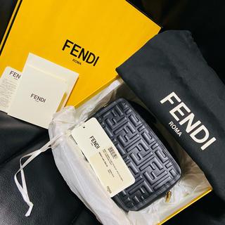 FENDI - 【新品未使用】FENDI FFロゴ カメラバッグ