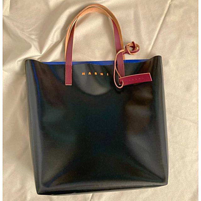 Marni(マルニ)の専用○ マルニ MARNI pvc ブラックブルー バイカラートートバッグ メンズのバッグ(トートバッグ)の商品写真