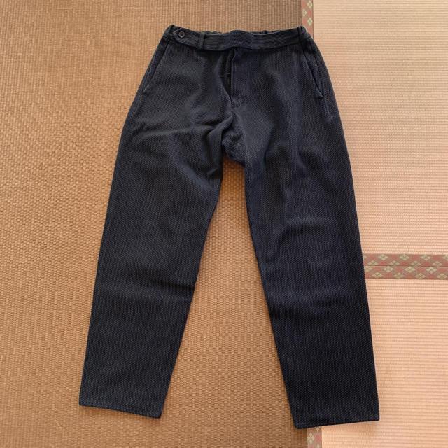 COMOLI(コモリ)の安すぎる!コリーナ 刺し子カーブスラックス  ブラック 新品 Mサイズ メンズのパンツ(スラックス)の商品写真