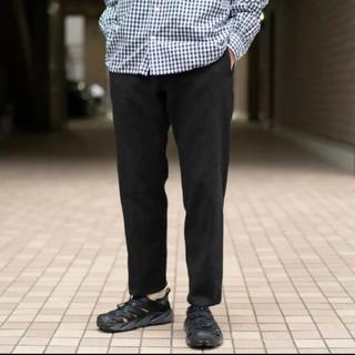 コモリ(COMOLI)の安すぎる!コリーナ 刺し子カーブスラックス  ブラック 新品 Mサイズ(スラックス)