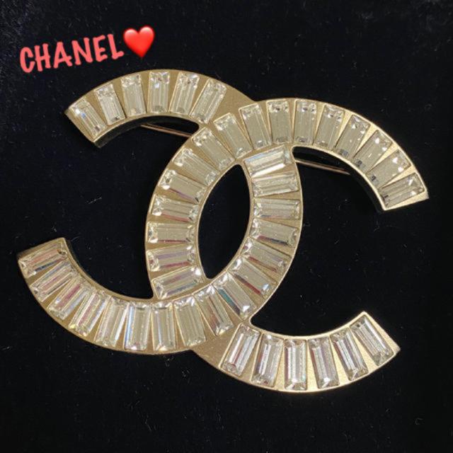 CHANEL(シャネル)のマーシャ様 専用 レディースのアクセサリー(ブローチ/コサージュ)の商品写真