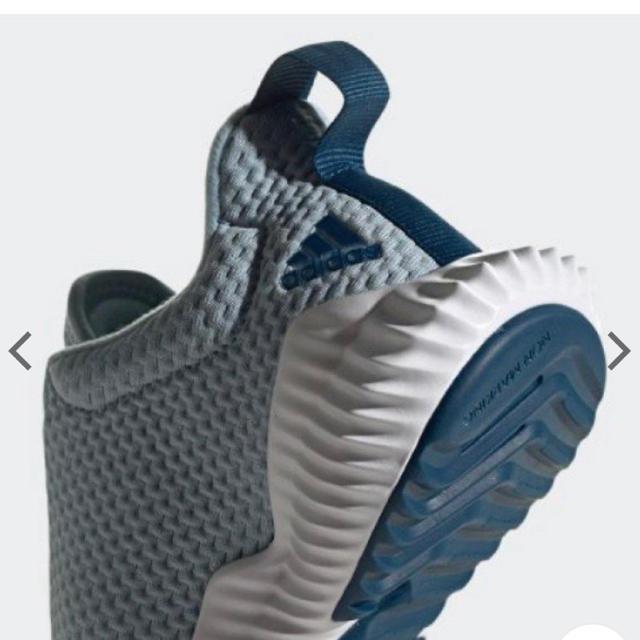 adidas(アディダス)の新品 adidas スニーカー キッズ ジュニア 男の子 女の子 19cm キッズ/ベビー/マタニティのキッズ靴/シューズ(15cm~)(スニーカー)の商品写真