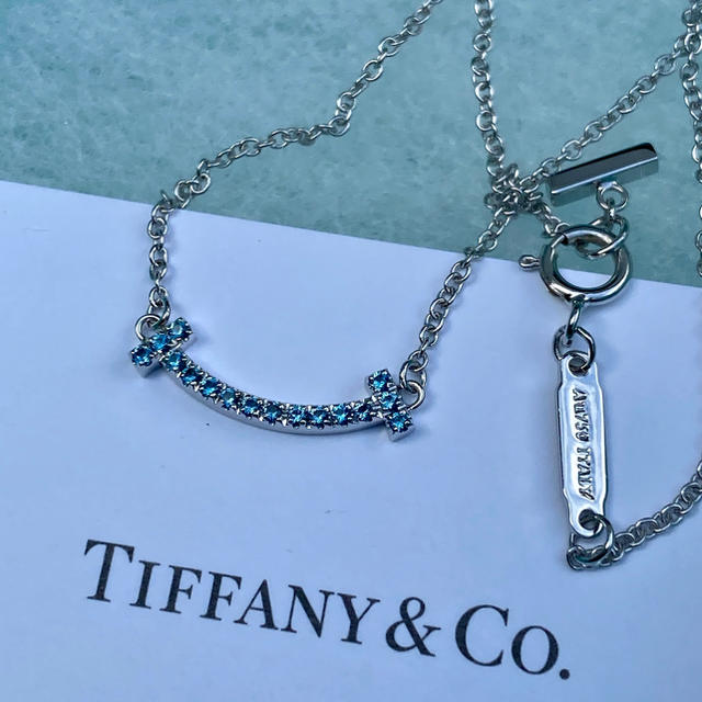 Tiffany & Co.(ティファニー)のTiffany 2019年ホリデイ限定Tスマイルネックレス レディースのアクセサリー(ネックレス)の商品写真