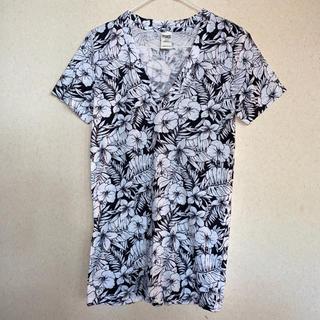 ヴィクトリアズシークレット(Victoria's Secret)のVictoria's Secret PINK Vネック Tシャツ(Tシャツ(半袖/袖なし))