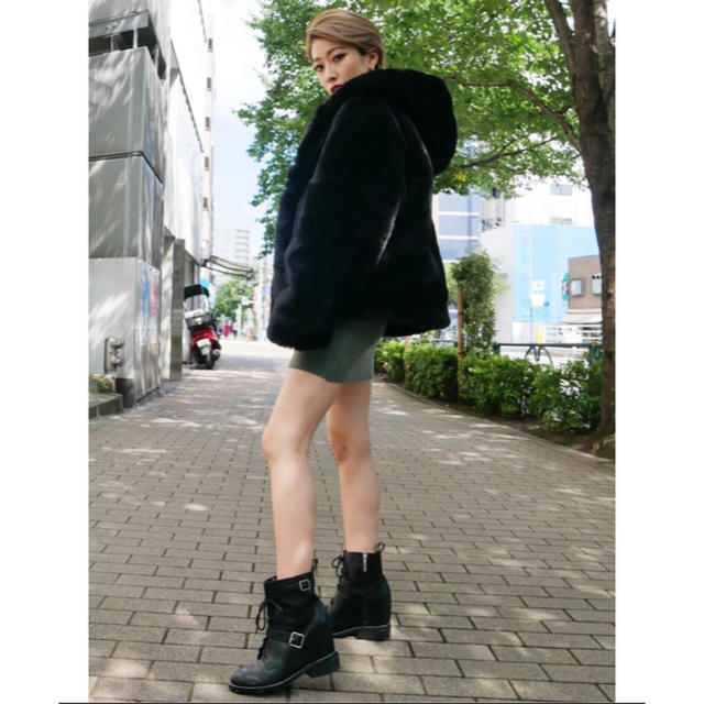 GYDA(ジェイダ)のgyda ファーコート ブラック レディースのジャケット/アウター(毛皮/ファーコート)の商品写真