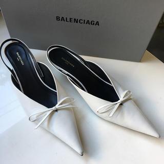 バレンシアガ(Balenciaga)のバレンシアガ ナイフパンプスミュール ホワイト37(ハイヒール/パンプス)