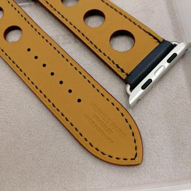 Hermes(エルメス)の廃盤 正規品 エルメス レザーバンド ラリー Apple Watch 44mm メンズの時計(レザーベルト)の商品写真