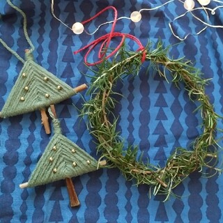 mina perhonen - 小さな手仕事 クリスマスオーナメント   ふわふわの小枝 ツリー  緑2個セット