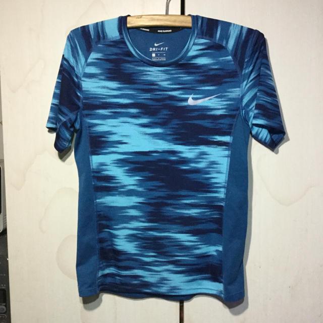 NIKE(ナイキ)のNIKE  ランニング用 DRI-FIT   Tシャツ スポーツ/アウトドアのランニング(ウェア)の商品写真