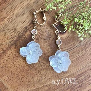 紫陽花White*ガラスイヤリング/ピアス(イヤリング)