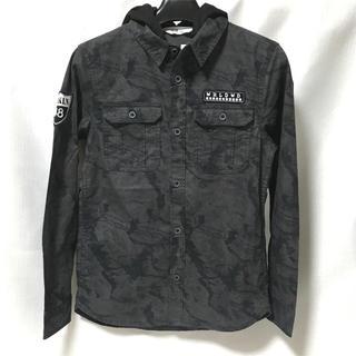 エイチアンドエム(H&M)の【新品】H&M フード付きシャツ 男の子145(ブラウス)