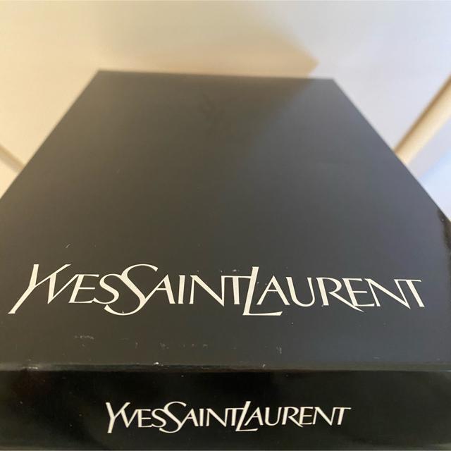 Yves Saint Laurent Beaute(イヴサンローランボーテ)のyukiyuki様、専用です‼️イヴ・サンローラン ミニタオル レディースのファッション小物(ハンカチ)の商品写真