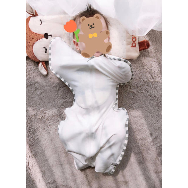 奇跡のおくるみ スワドル 妊婦様 出産準備 秋冬 夜泣き対策 ホワイト M キッズ/ベビー/マタニティのこども用ファッション小物(おくるみ/ブランケット)の商品写真
