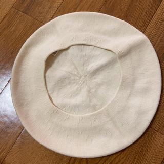 ユニクロ(UNIQLO)の白 綿 ベレー帽(ハンチング/ベレー帽)